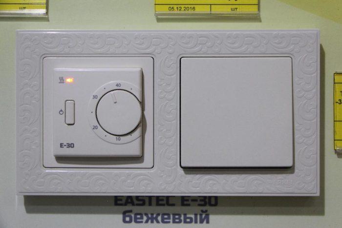 Терморегулятор EASTEC E-30 (16 А, 3,5 кВт)